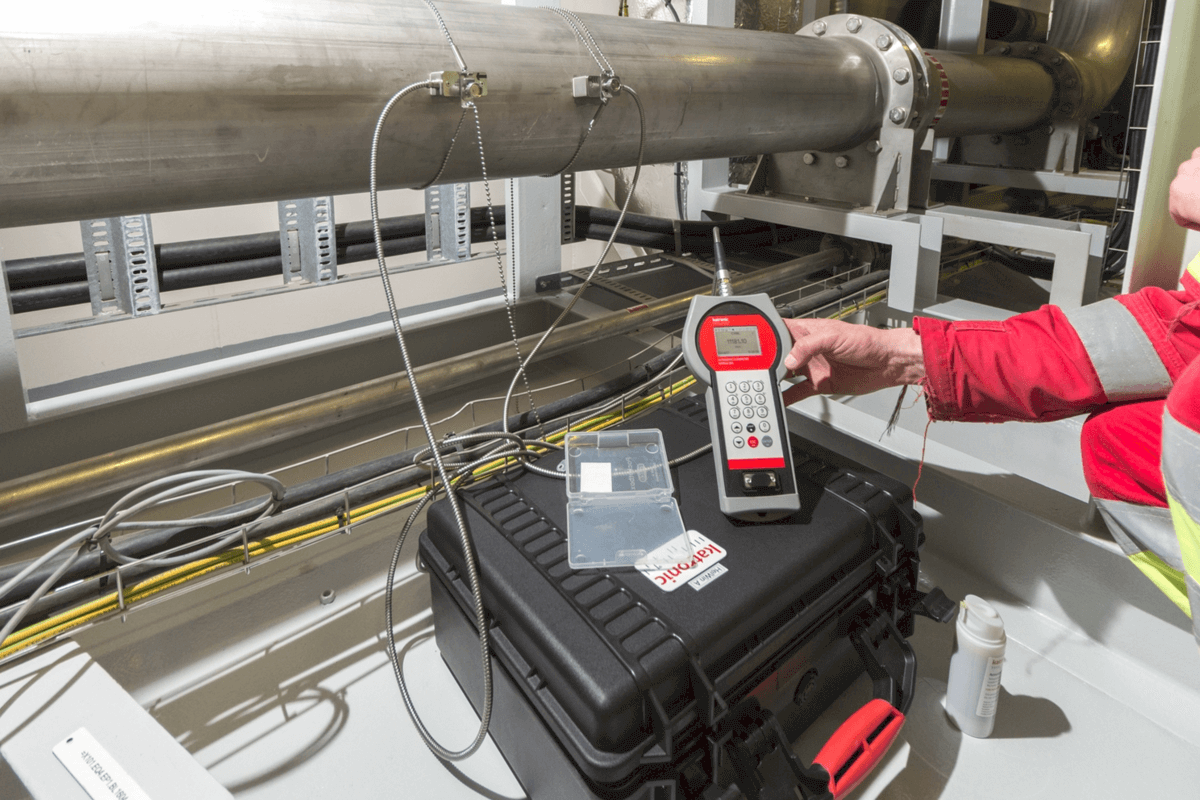 The KATflow 200 flow meter in use in the converter cooling room on the offshore converter platform HelWin alpha from TenneT.