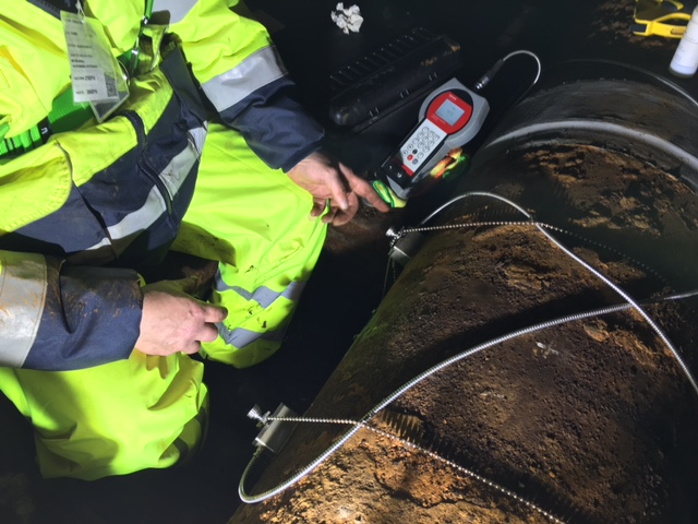 Water flow application at major airport in Scotland demanded a lightweight, portable ultrasonic flow meter